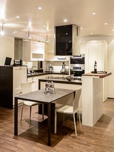 aktuell k che kunst wohnen land gmbh. Black Bedroom Furniture Sets. Home Design Ideas